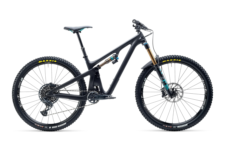 Yeti SB130 LR con montaje CLR y upgrade de suspensiones Factory en color black